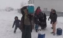 Köyde Sular Dondu, İş Kadınlara Düştü