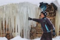 Muş'ta Soğuk Hava Etkili Oluyor
