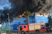 HAKAN ARıKAN - Organize Sanayi Sitesinde Korkutan Yangın