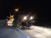 DOĞANÇAYıR - Seyitgazi'nin 51 Mahallesinde Karla Mücadele Çalışmaları Sürüyor