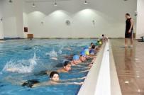Altındağlı Çocuklar Yüzme Dersinde