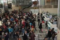 MALKOÇOĞLU - Atatürk Havalimanı'nda Yarıyıl Tatili Yoğunluğu