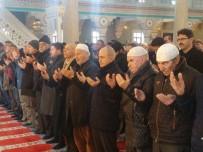 CUMA NAMAZI - Beşiktaş Şehitleri İçin Büyükçekmece'de Mevlit Okutuldu