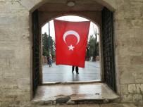 CUMA NAMAZI - Fatih Camii'nde Beşiktaş Şehitleri İçin Mevlid Okutuldu