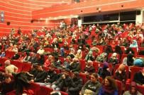GEBZELI - Gebze'de 'Ziyafet Sofrası' Tiyatro Oyununa Büyük İlgi