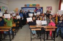 FARKıNDALıK - İzmir'in İlçelerinde Karne Sevinci