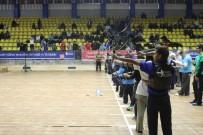 TESLIMIYET - Kağıtsporlu Okçular İstanbul'da Yarıştı