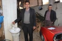 SU SAYACı - Mahalleye Dönene Köylülerin 'Atık Su Ve Geriye Dönük Borç' İsyanı