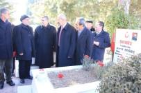 ALI KAYA - MHP'liler Şehitliği Ziyaret Ettiler