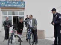 MUSTAFA GÜLER - Polisten Başarılı Öğrencilere Bisiklet