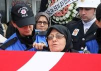 ÖZLEM ÇERÇIOĞLU - Şehit Oğlunu Polis Üniformasıyla Uğurladı