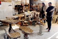 MARANGOZ USTASI - Yüzyıllık Kütüklerin Mantar Mobilyaya Yolculuğu