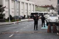 AK PARTI - AK Parti Binası Önünde Önlemler Artırıldı