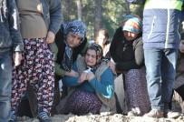 HASTA ZİYARETİ - Anne, Baba Ve 3 Çocuğu Yan Yana Defnedildi
