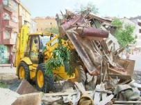 HÜSEYIN ANLAYAN - Fatsa'da 2016'Da 15 Metruk Bina Yıkıldı
