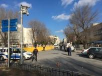 İSTANBUL EMNİYET MÜDÜRLÜĞÜ - İstanbul Emniyet Müdürlüğü Önünde Silah Sesleri