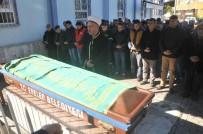 UMURLU - Trafik Magandalarının Başına Tornavida Sapladığı Adam Hayatını Kaybetti