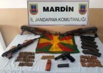 JANDARMA KOMUTANLIĞI - Mardin'de Silah Ve Mühimmat Ele Geçirildi