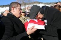 ŞEHIT - Oğlunun Al Bayrağı İle Gözyaşlarına Boğuldu