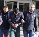SİLAHLI SOYGUN - Polis Maskeli Soyguncuları Ve İş Adamını Vuranı Ayakkabılarından Yakaladı