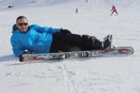 Tatilciler Hazar Baba Kayak Merkezi'ne Akın Etti