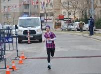 ALTıNOK ÖZ - Yüzlerce Sporcu Uğur Mumcu İçin Koştu