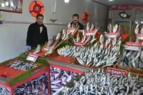 BALIK FİYATLARI - Balık Fiyatlarının Yükselmesi Satışları Etkiledi