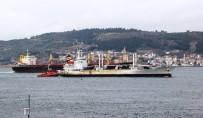 ÇANAKKALE BOĞAZı - Çevre Kirliliğine Sebep Olan Gemi Çanakkale Boğazı'ndan Geçti