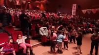 TİYATRO OYUNU - Çocuklar, Sinema Filmleri Ve Tiyatro Oyunları İle Tatillerini Dolu Dolu Geçiriyor