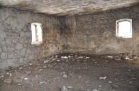 TARİHİ BİNA - Dereiçi'ndeki Tarihi Hamam Yıkılıyor