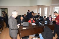 GÜVENLİ İNTERNET - Dinar'da 40 Yaş Ve Üzeri Vatandaşlara Bilgisayar Eğitimi Verildi