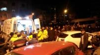 DİREKSİYON - Kontrolden Çıkan Otomobil Markete Girdi Açıklaması 2 Yaralı