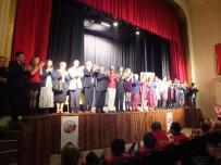 UĞUR YÜCEL - Tiyatro Akademi Oyuncularından 2 Günde 2 Ayrı Oyun