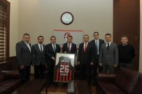 ŞAMPIYON - Vali Çelik, Nesine.Com Eskişehir Basket Takımı Yönetim Kurulu'nu Kabul Etti