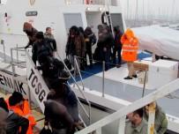 KURTARMA OPERASYONU - Çeşme'de 94 Göçmen Kurtarıldı