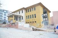 YIKIM ÇALIŞMALARI - Eski Kütüphane Binasında Yıkım Çalışmaları Başladı
