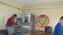 İBRAHİM CİVELEK - Iğdır'da 'Sokak Hayvanlarına Kulübe Yapma' Projesi