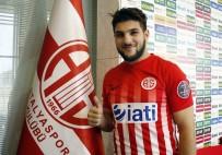 SALİH DURSUN - Mustafa El Kabir İmzayı Attı