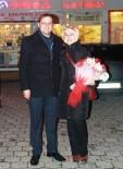 Rize'de Dev Ekrandan Sürpriz Evlilik Teklifi