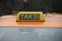 TAKSİ ŞOFÖRÜ - Taksiciler, 8 Lira 75 Kuruş İndi Bindi Parasını Protesto Etti