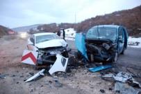 GAZIOSMANPAŞA ÜNIVERSITESI - Tokat'ta Trafik Kazası Açıklaması 9 Yaralı