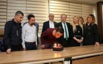 ÖMER ÖZKAN - Yüzde Yüzlük Başarıda 5'İnci Yıla Pastalı Kutlama