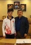DEVŞIRME - Başkan Karabacak, Türkiye Şampiyonunu Ağırladı