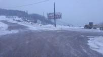 KAR LASTİĞİ - Büyükşehir, Soğuk Ve Kar Yağışına Karşı Vatandaşları Uyardı