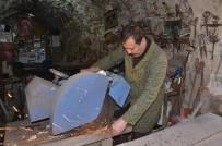 DEMIRCILIK - Demir Ustası Kanunuyla Mardin'i Tanıtıyor