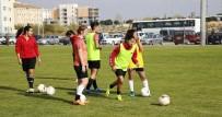 HÜSEYIN TÜRK - Döşemealtı Kadın Futbol Takımı Beşiktaş'a Konuk Olacak