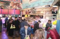 BILECIK MERKEZ - Fiyatlar Düşünce Balık Tezgahlarına İlgi Arttı