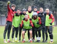 FLORYA - Galatasaray Akhisar Hazırlıklarına Başladı