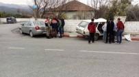 KUZUCULU - Hatay'da Kaza Açıklaması 4 Yaralı
