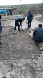YOL ÇALIŞMASI - Sur'da Çalışmalar Hız Kesmeden Devam Ediyor